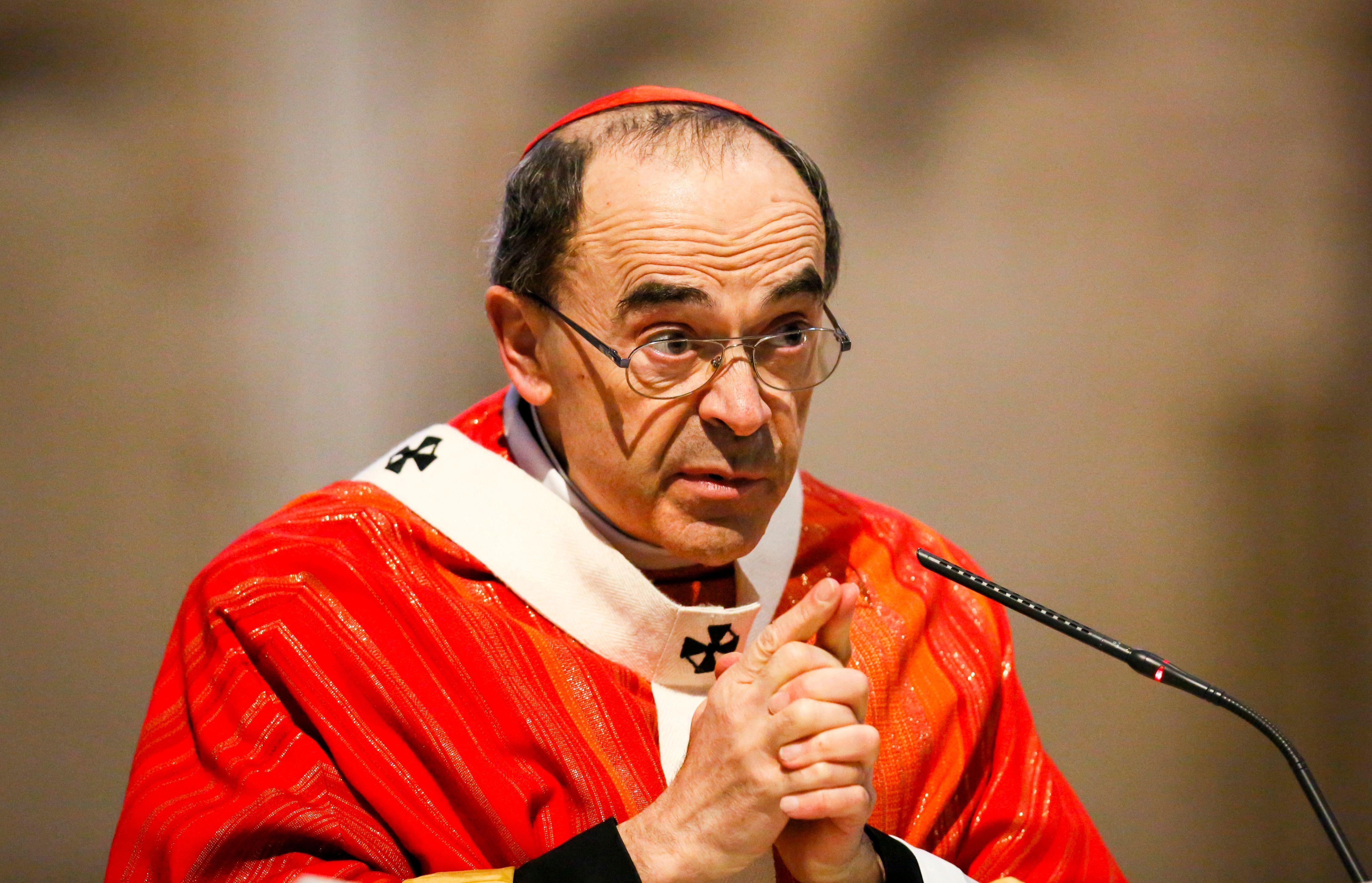 Eglise : le cardinal Barbarin entendu par la police