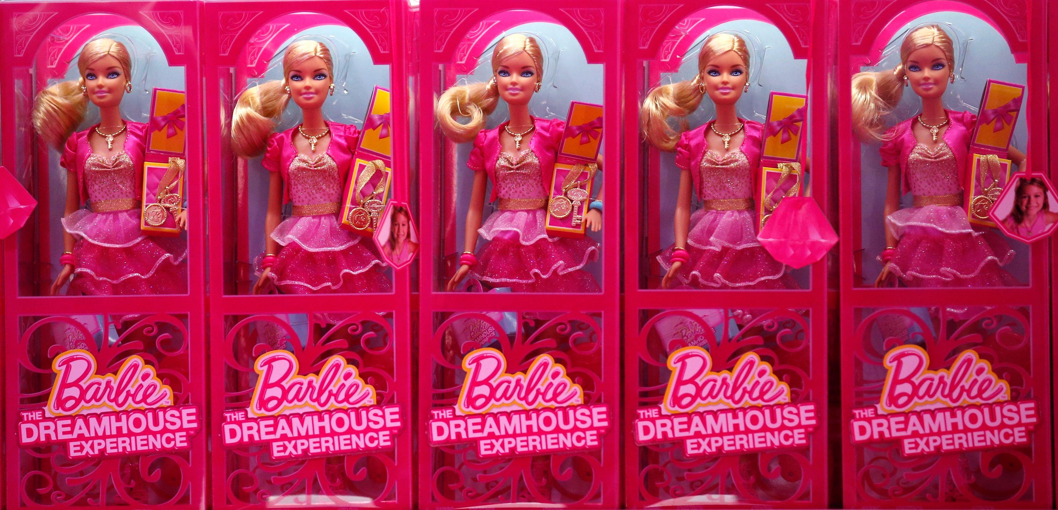 Le physique de Barbie demeure une caricature.