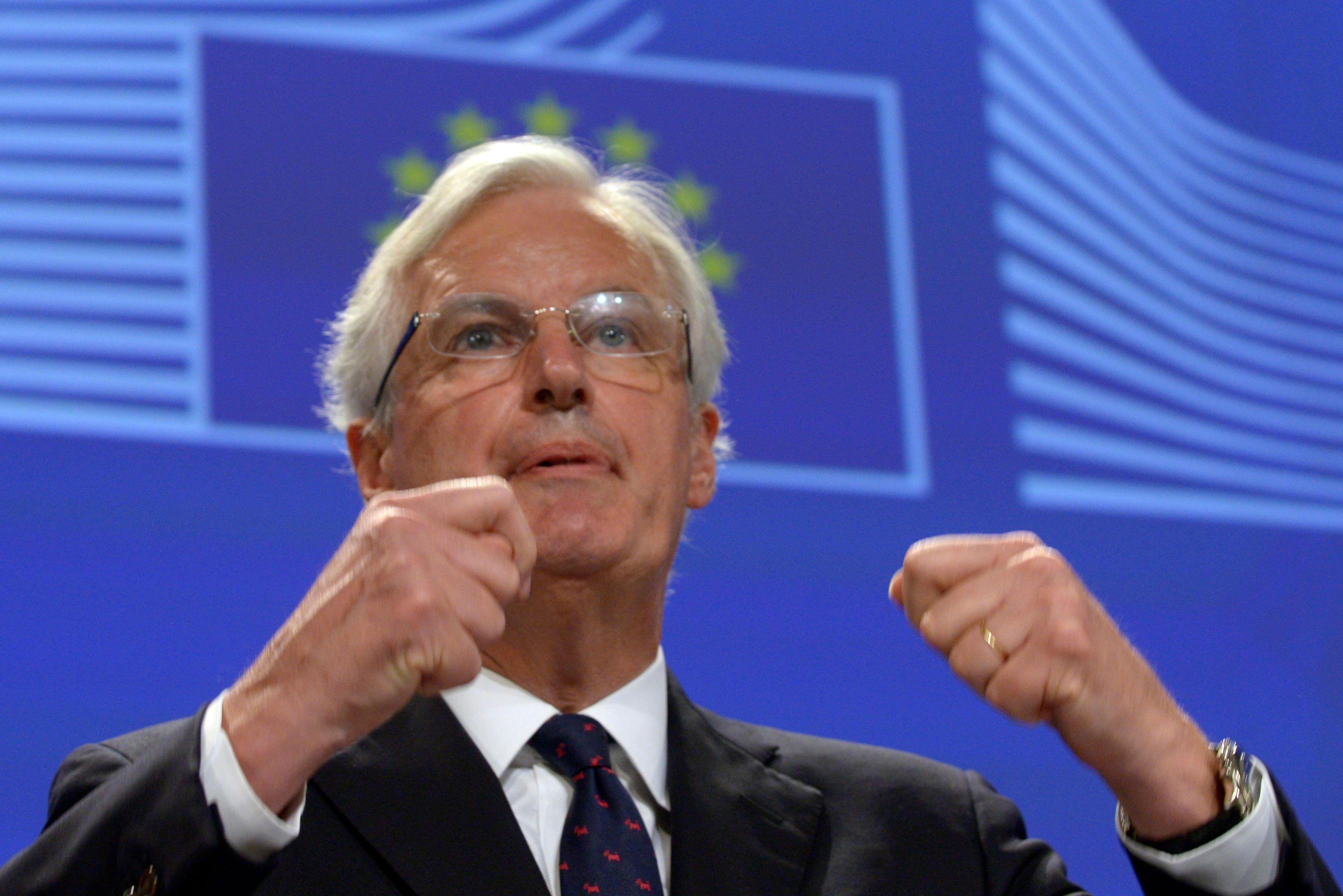 """Brexit : les médias anglais considèrent que la nomination de Michel Barnier est """"une déclaration de guerre"""""""