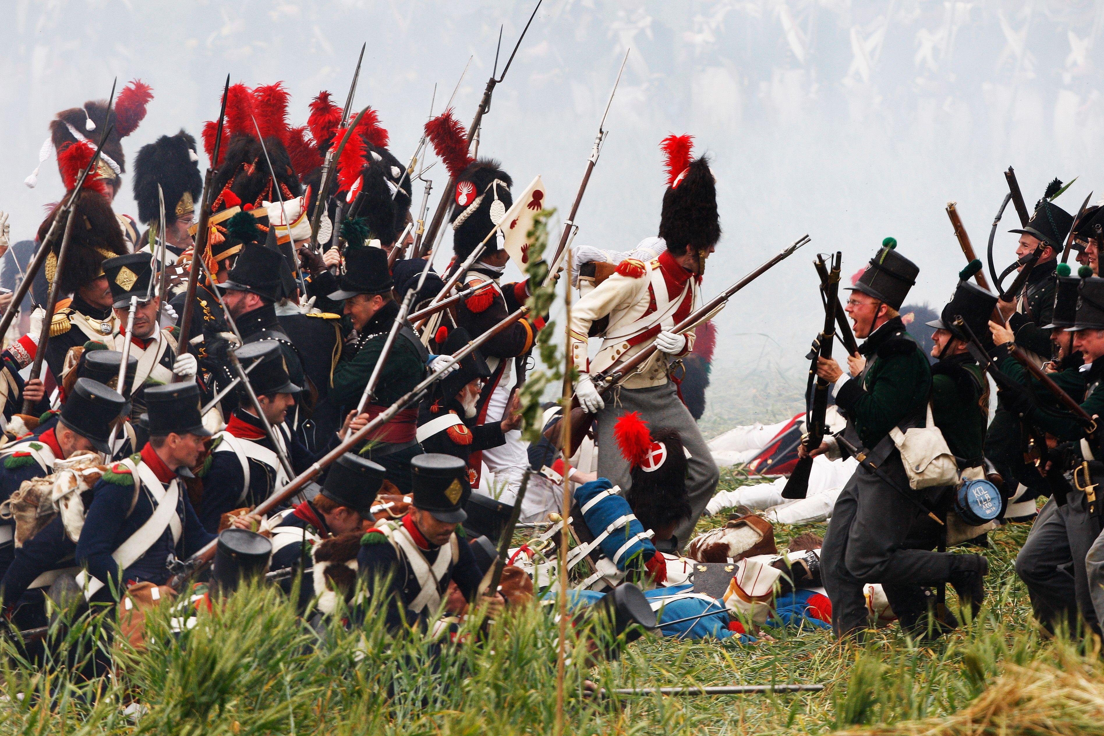 Reconstitution d'une bataille de l'armée française de Napoléon.