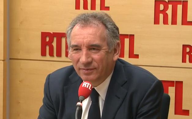 """Pour Bayrou, Macron et Estrosi partagent un """"bloc de convictions"""""""