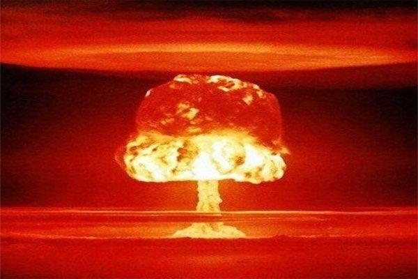 bombe atomique Les 100 mots de la guerre Frédéric Encel
