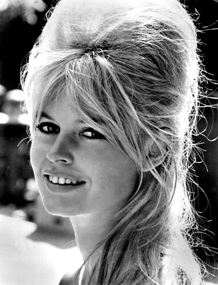 """Brigitte Bardot pense que Marine Le Pen est la """"Jeanne d'Arc du 21e siècle"""""""