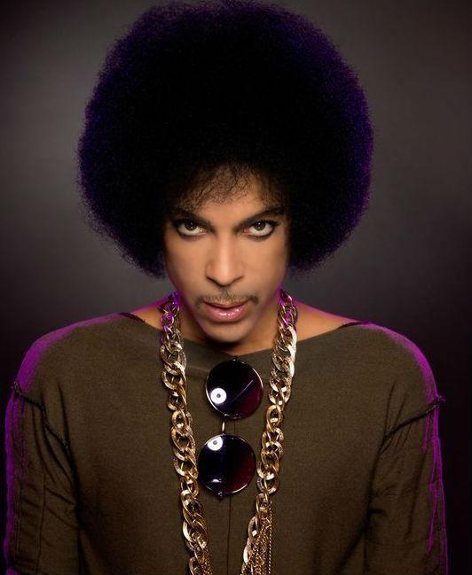 Depuis ses débuts en 1978, le chanteur a vendu entre 60 et 80 millions de disques au cours de sa carrière.