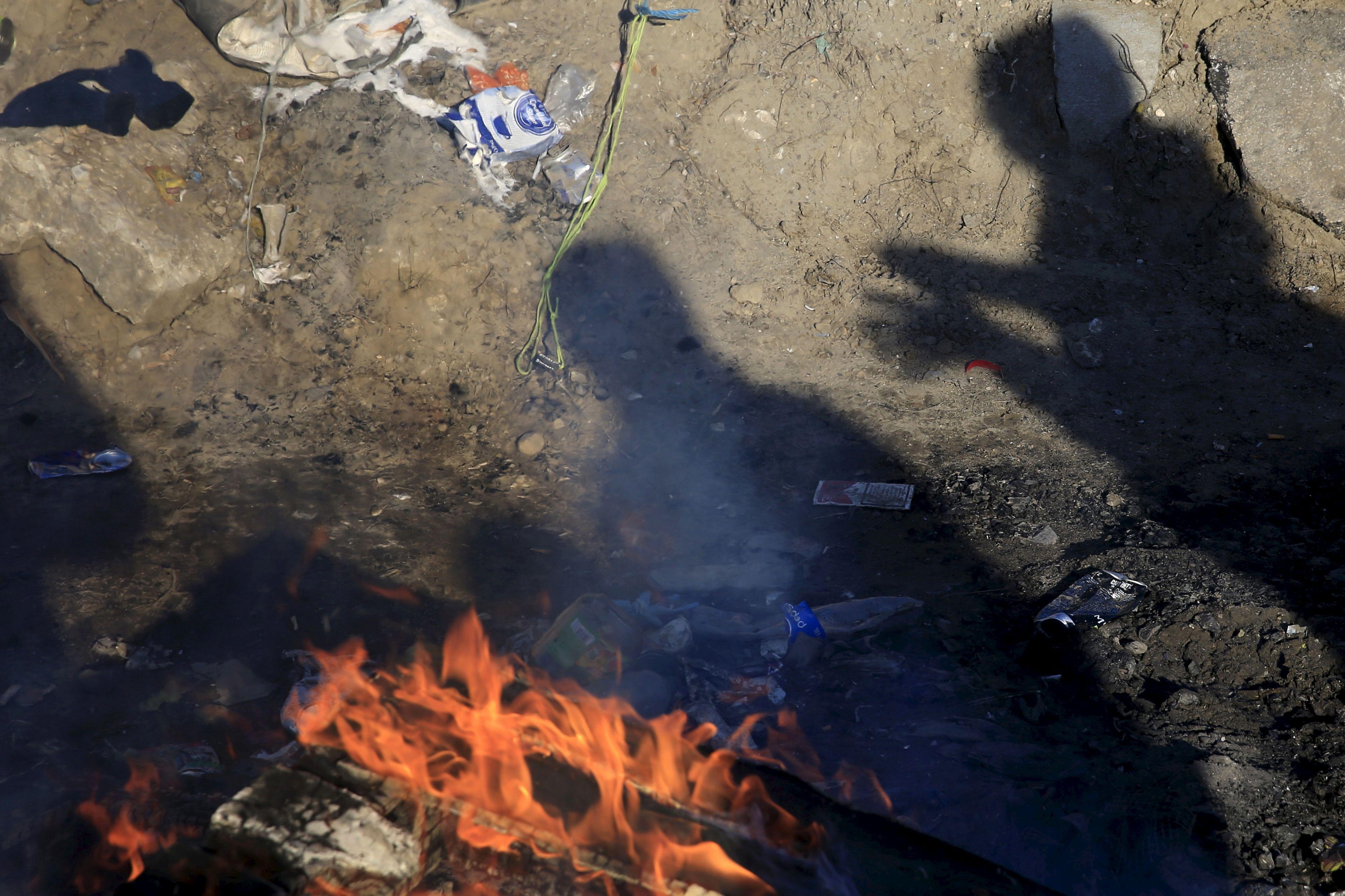 """Jungle"" de Calais : un migrant tué lors de rixes nocturnes"