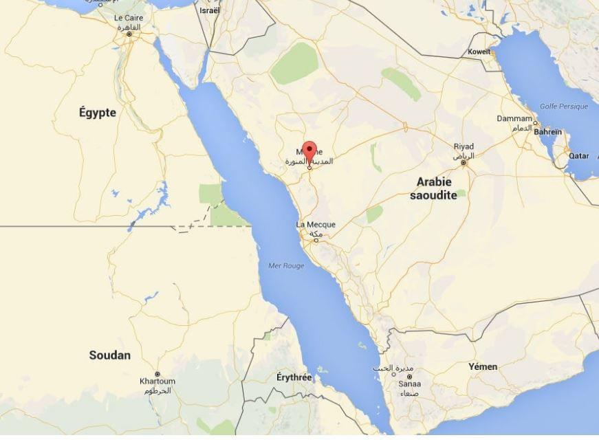 Attentats : une série coordonnée d'attentats-suicides près de mosquées à Médine et à Qatif