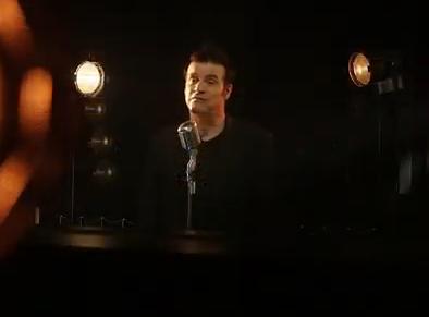 Roch Voisine a été choisi pour interprété l'hymne de la sélection canadienne lors de JKO de Sotchi