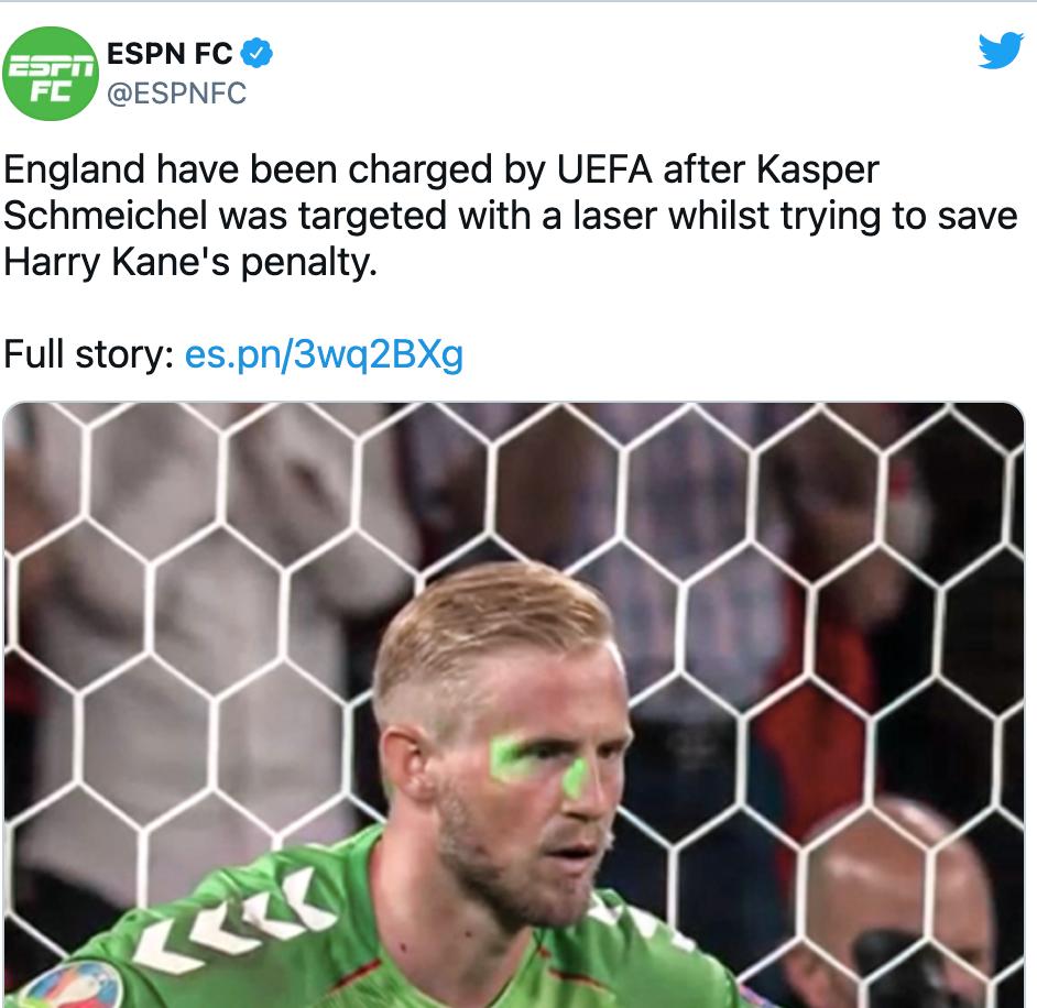 Laser sur le visage du gardien danois