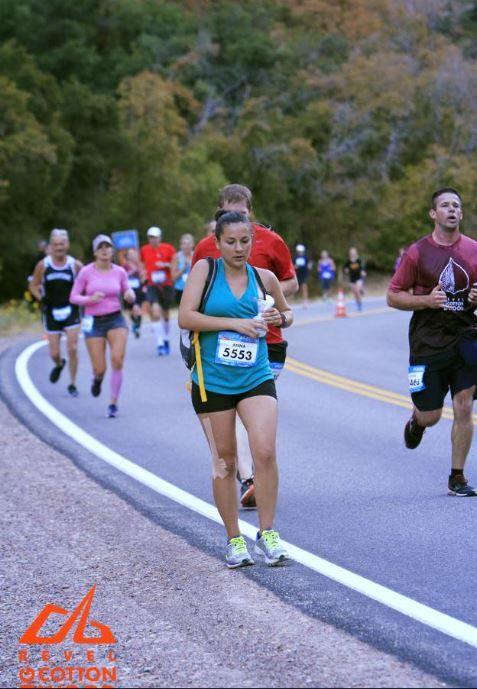 Elle tire son lait pendant un semi-marathon