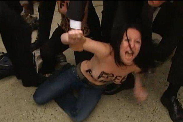 9 Femen étaient poursuivies pour avoir dégradé une cloche de Notre-Dame de Paris