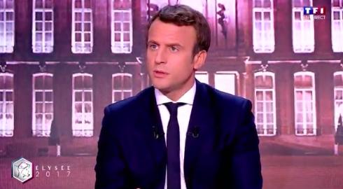"""Emmanuel Macron : """"Je suis aujourd'hui celui qui doit rassembler le camp des républicains"""""""