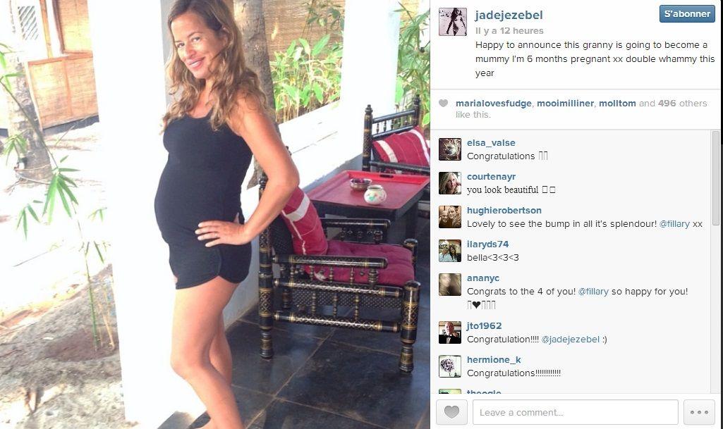 """""""Heureuse d'annoncer que cette grand-mère sera bientôt maman, je suis enceinte de six mois"""" écrit Jade Jagger sur son compte Instagram."""