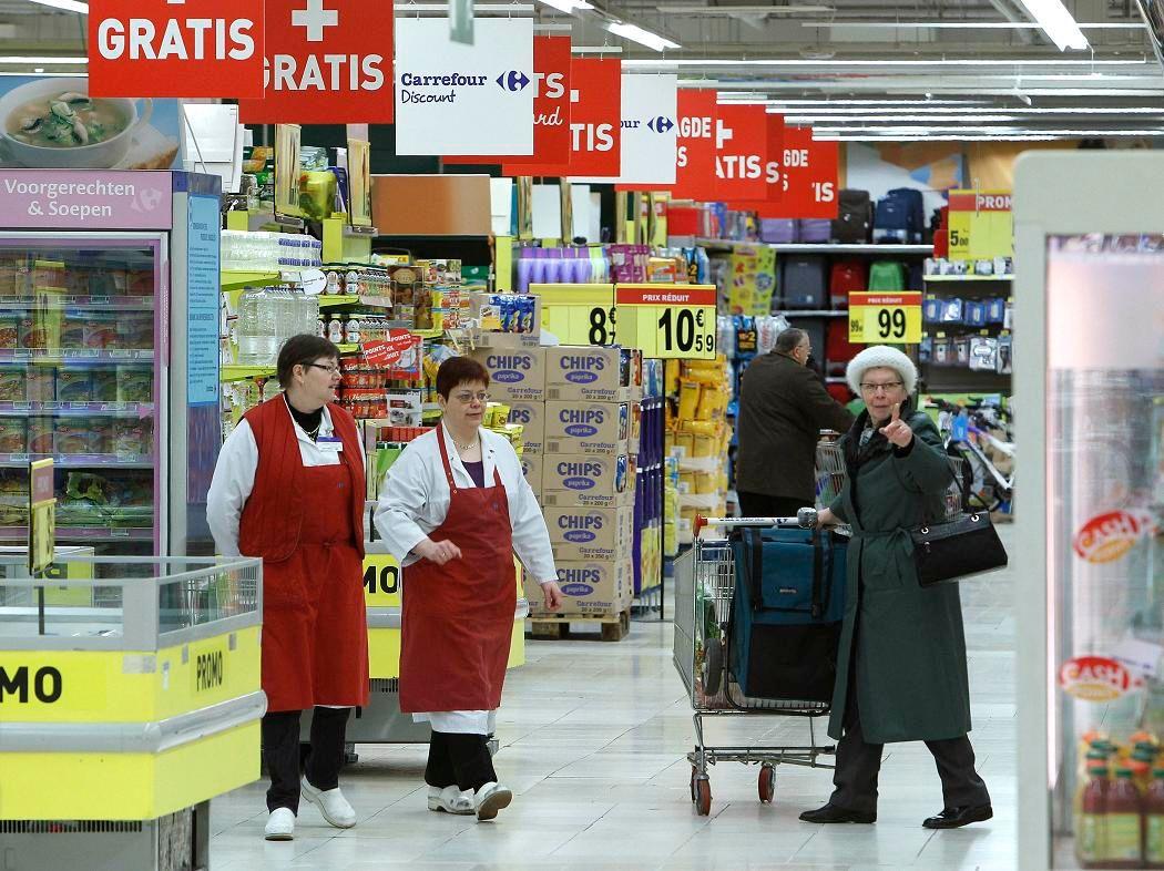 Carrefour doit compresser ses coûts pour survivre face au maxi-discount.