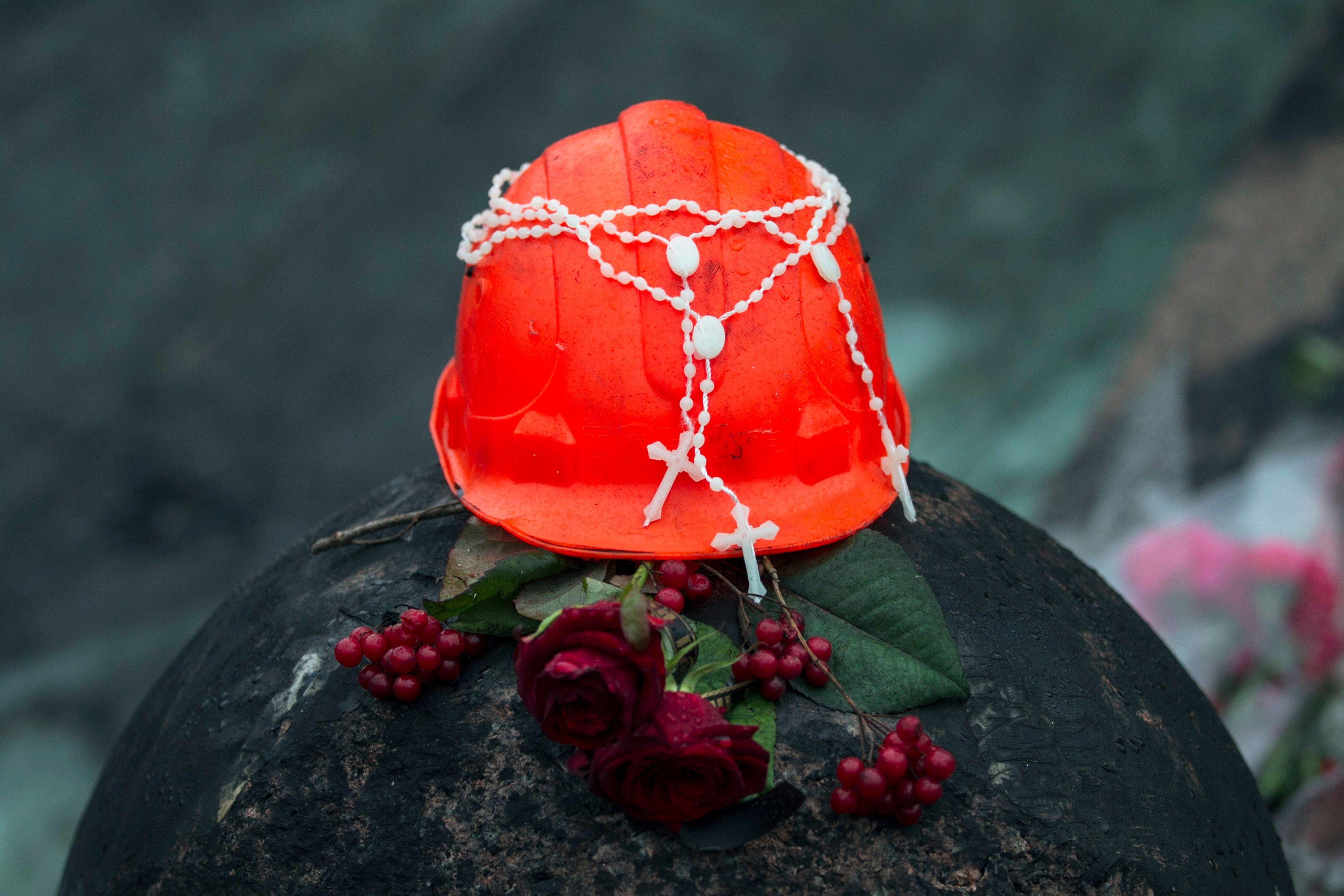 Mémorial improvisé pour les victimes des récentes violences en Ukraine.