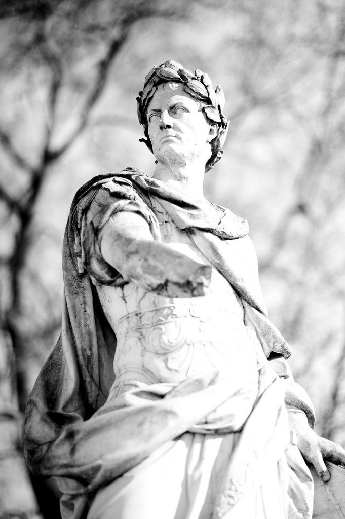 Beaucoup de personnalités politiques qui comparent la chute de l'Empire romain au déclin de l'Union européenne.