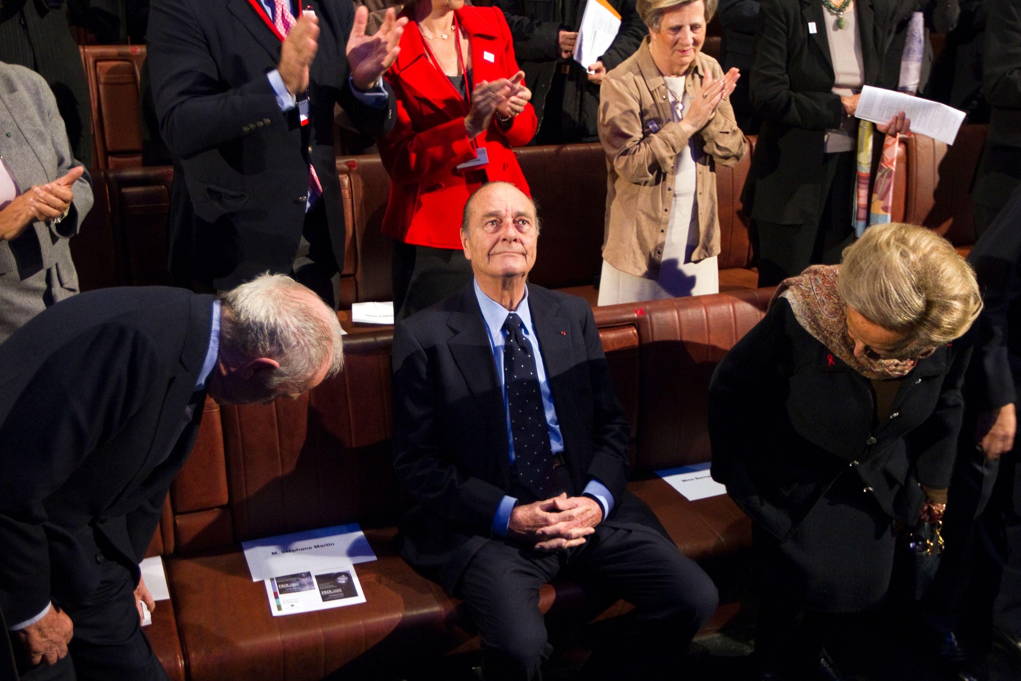 Le tribunal correctionnel de Paris a condamné Jacques Chirac à deux ans de prison avec sursis.