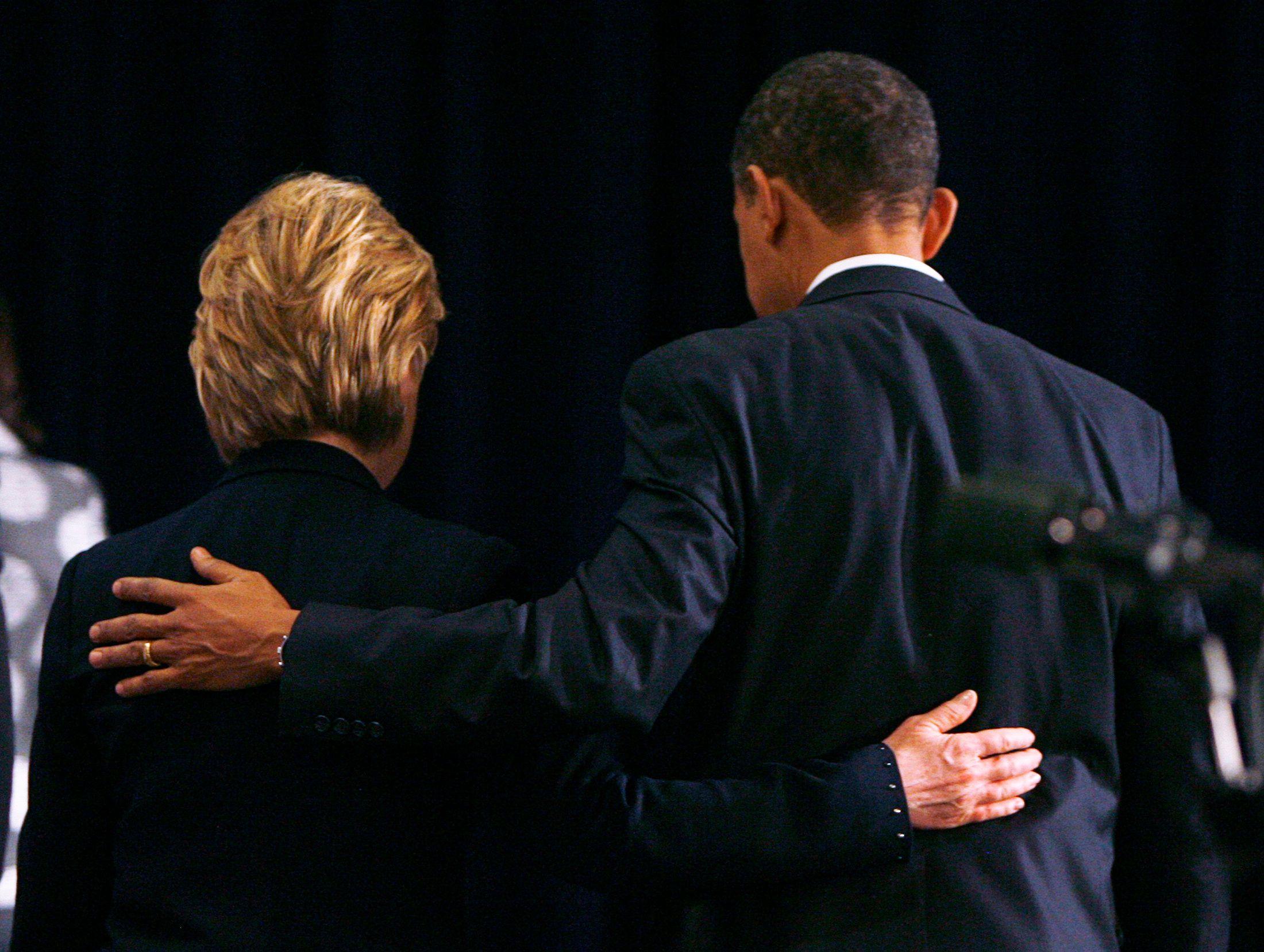 États-Unis : Barack Obama réfléchirait à gracier Hillary Clinton juste avant de partir