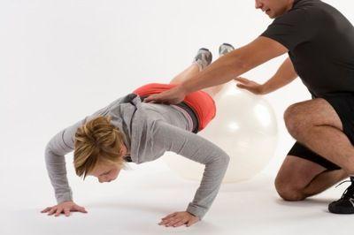 Complexé du maillot de bain ? Voici comment obtenir en dix minutes d'exercice physique intense les mêmes résultats qu'en trois quarts d'heure de rameur à la salle de gym