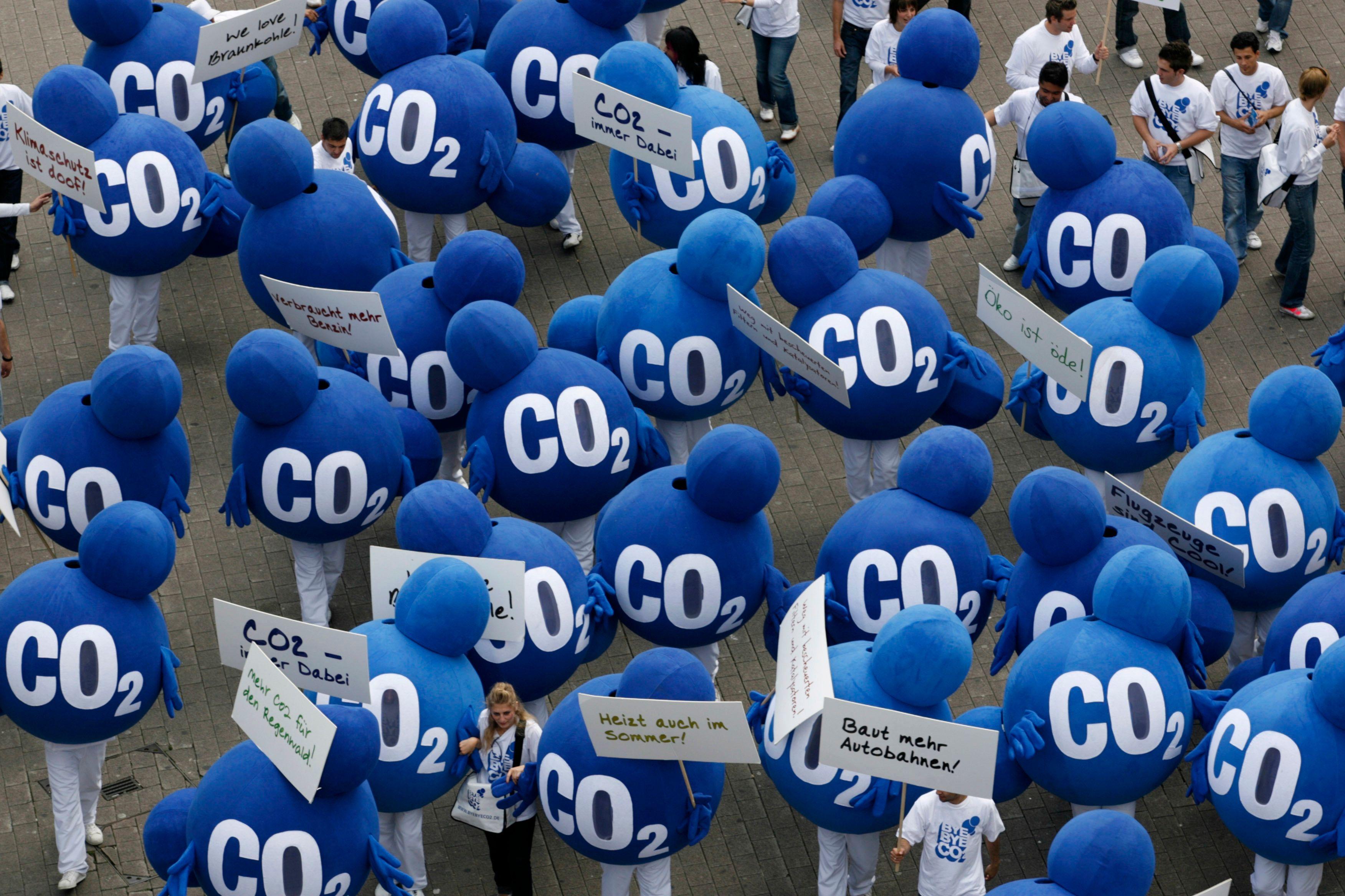 Les recherches prometteuses de chimistes japonais sur de nouveaux matériaux plastiques qui permettent de fixer le CO2