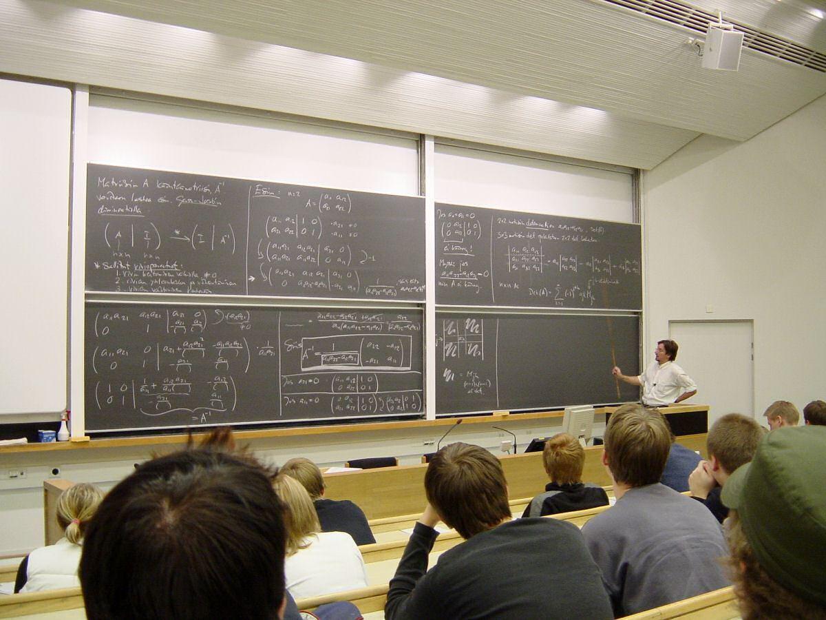 """68,1% : la part des étudiants en université qui déclarent ne plus assister aux cours """"car l'enseignant n'est pas une plus-value"""""""