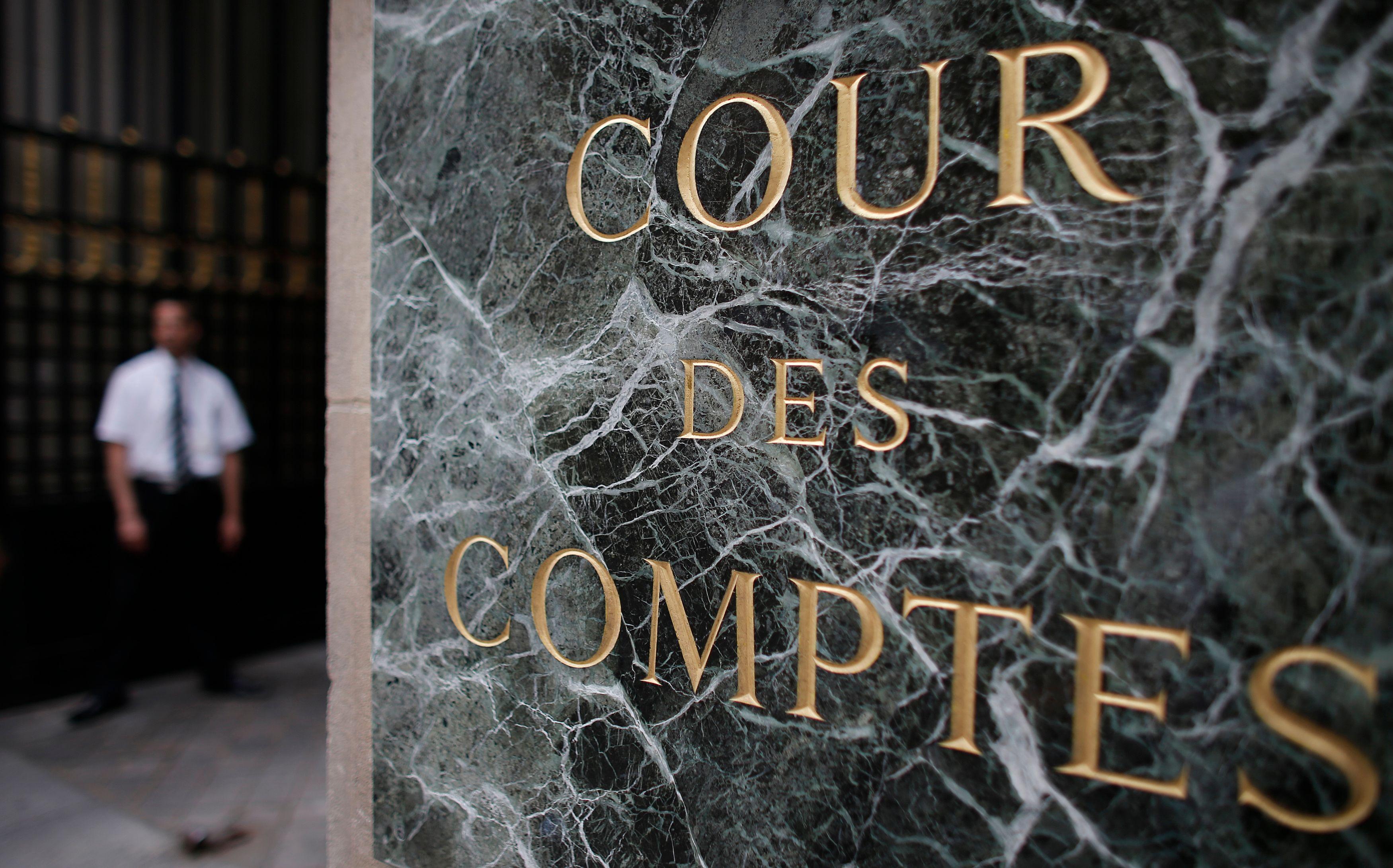 En 2012, les collectivités territoriales ont enregistré 3,1 milliards d'euros de déficit, ce que dénoncer la cour des comptes.