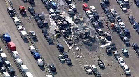 L'appareil, un Phenom 300 du constructeur Embraer, s'est écrasé sur un site de vente de voitures aux enchères.