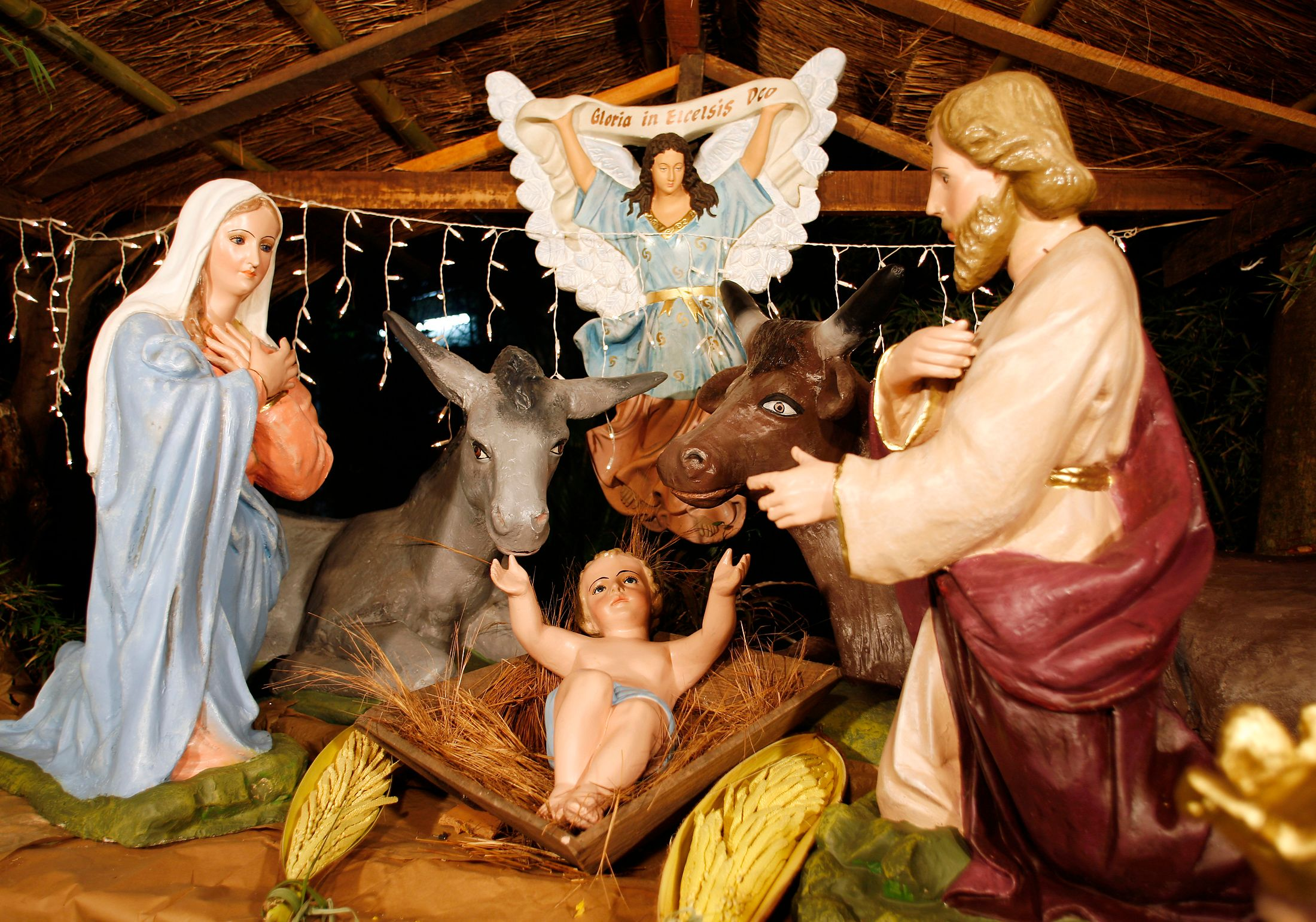 """Lyon : l'installation d'une crèche de Noël au conseil régional qualifiée de """"provocation à la laïcité"""" par la gauche"""