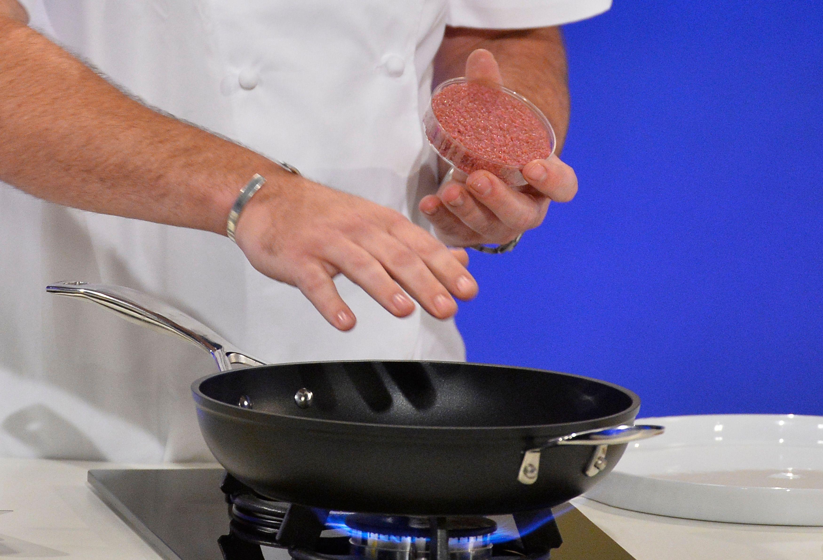Steak in vitro, insectes,: quelle viande mangerons-nous demain?