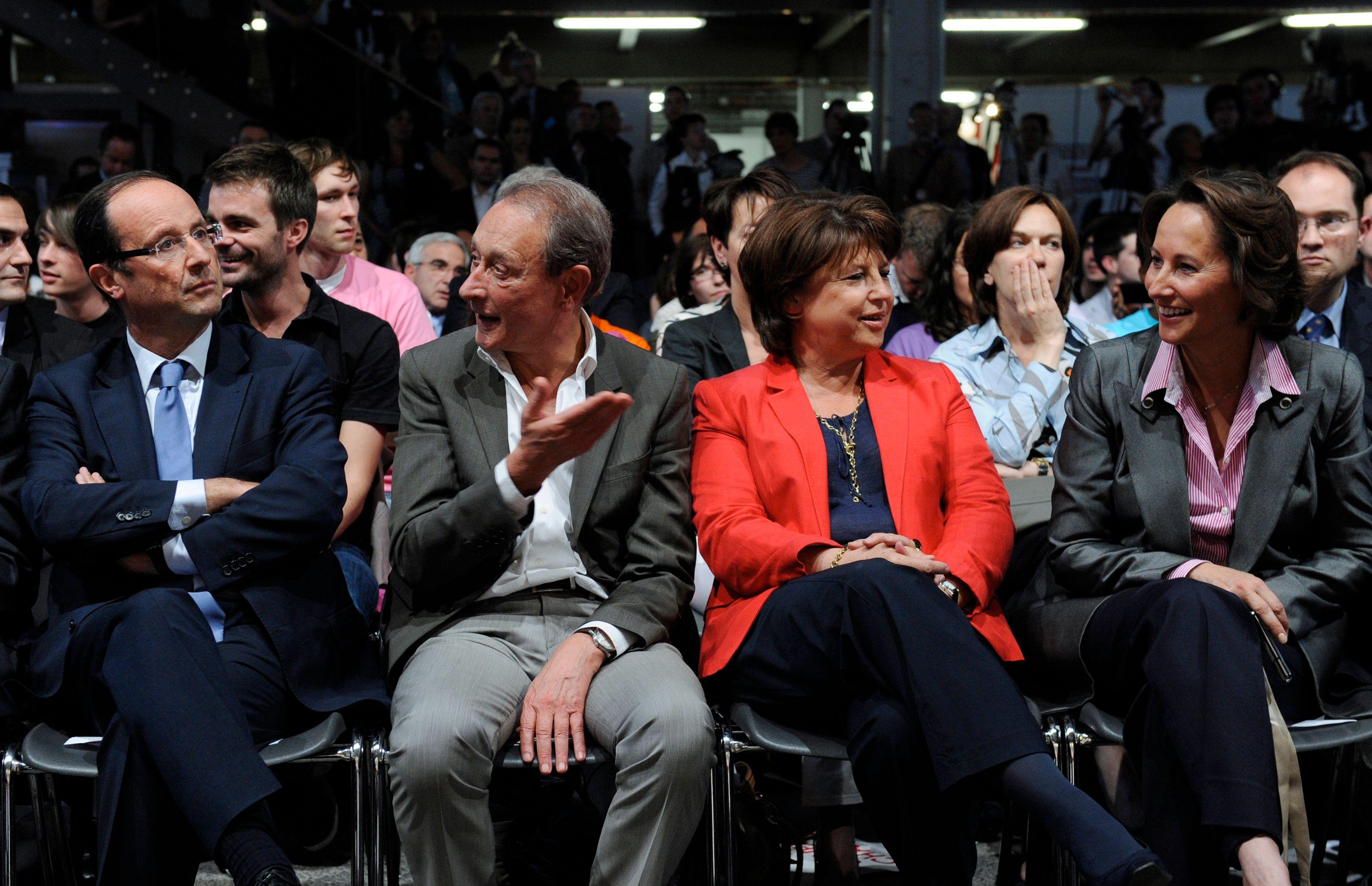 Ironie chez les communistes, tacles chez les Verts, états d'âme au PS : est-ce que quelqu'un dans la majorité trouve encore des vertus à l'action de François Hollande ?
