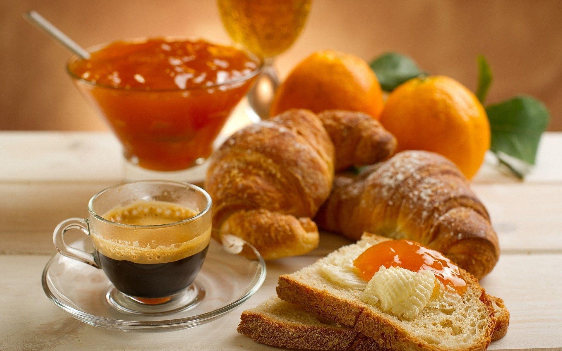 """Les """"breakfast meetings"""", ces rendez-vous matinaux très appréciés des entreprises qui mêlent l'utile à l'agréable"""