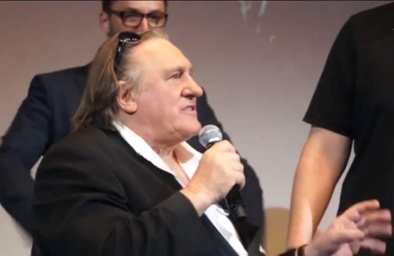 """Gérard Depardieu se fâche contre la France, qui risque de devenir un """"Disneyland peuplé d'imbéciles"""""""