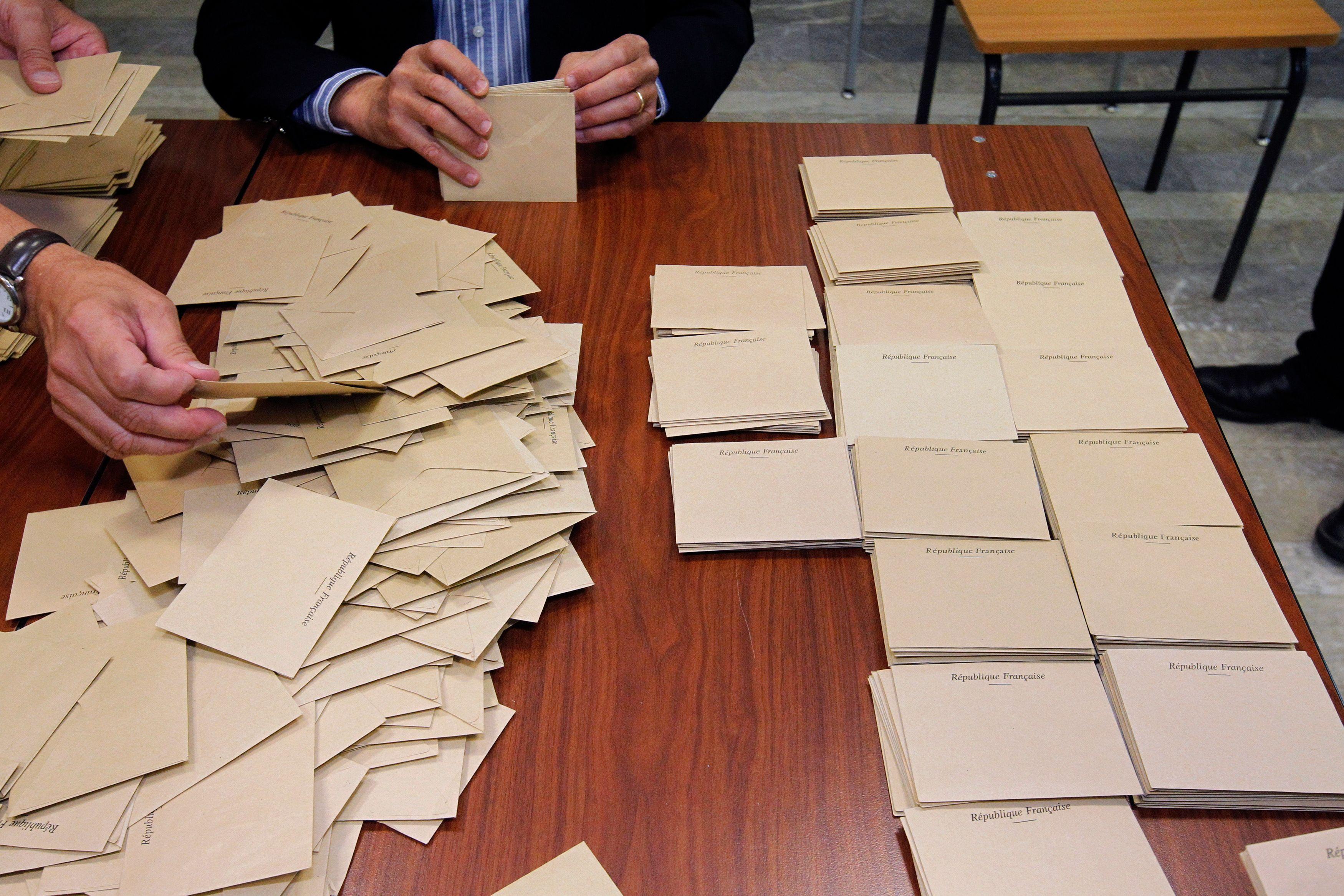 Municipales 2014 : une candidate s'inscrit sur la liste FNet LO en même temps