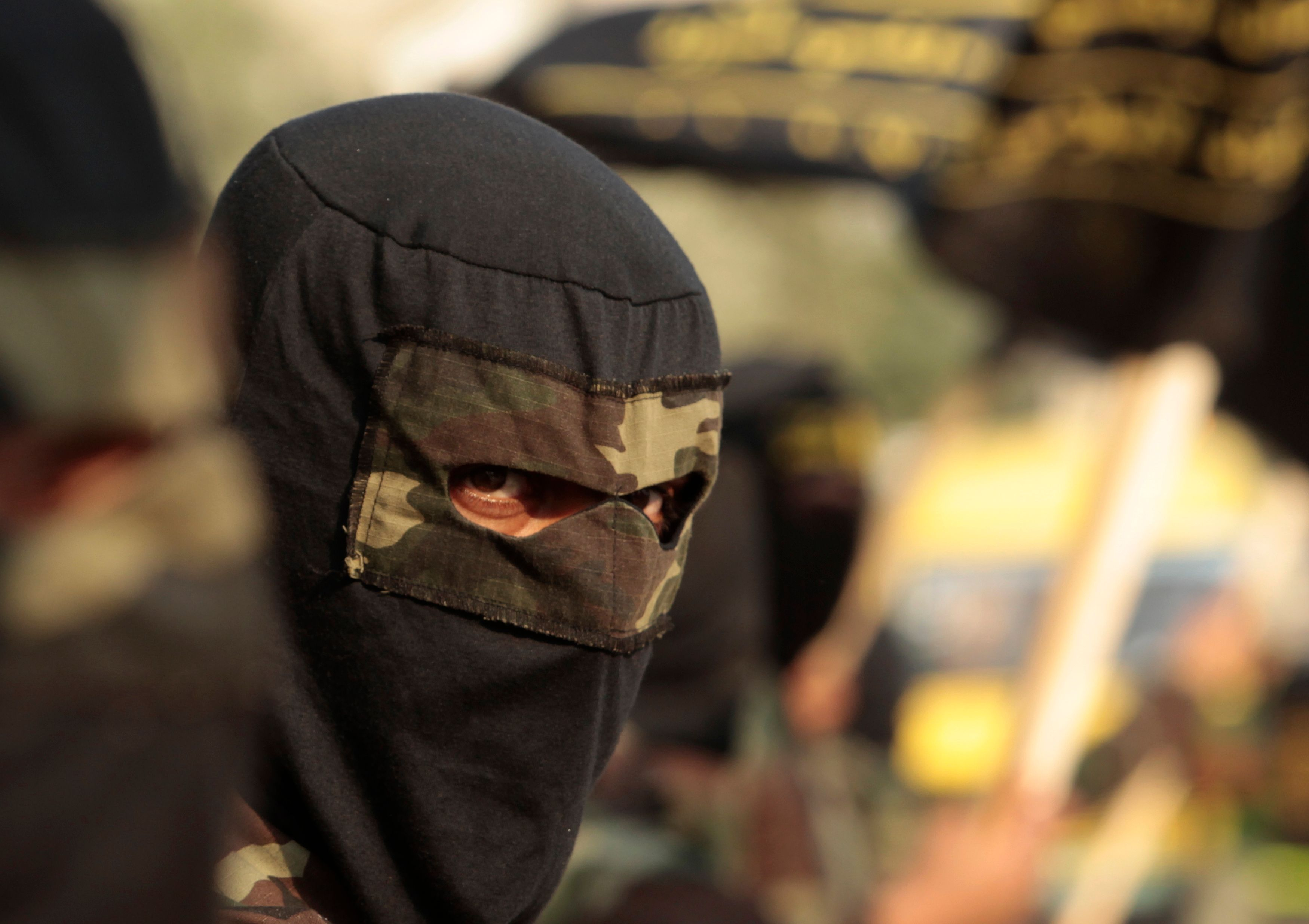 """Bernard Cazeneuve présente un """"plan anti-djihad""""."""