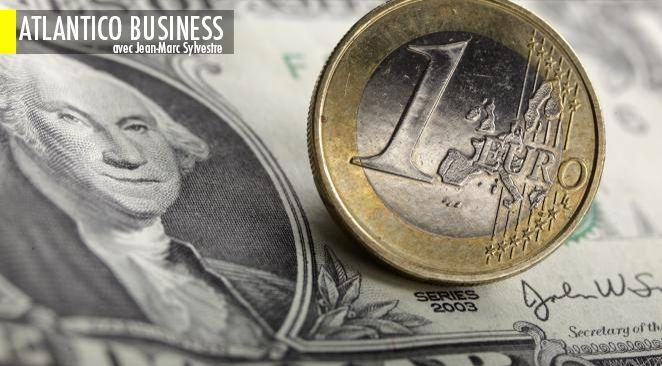 Le dollar n'a jamais été aussi haut depuis un mois et l'euro n'a jamais été aussi bas.