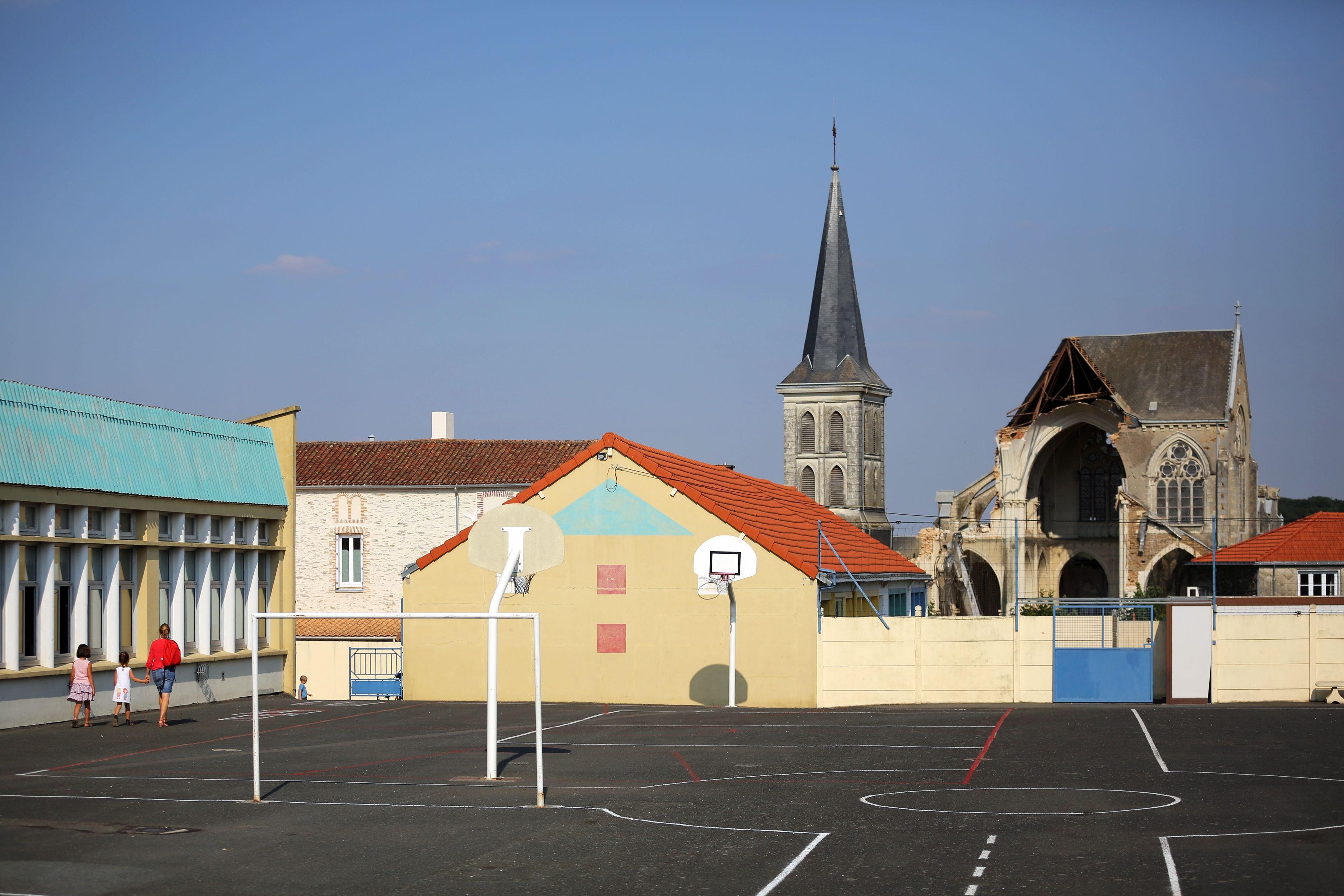 Ecole de Saint-Pierre-aux-Liens.