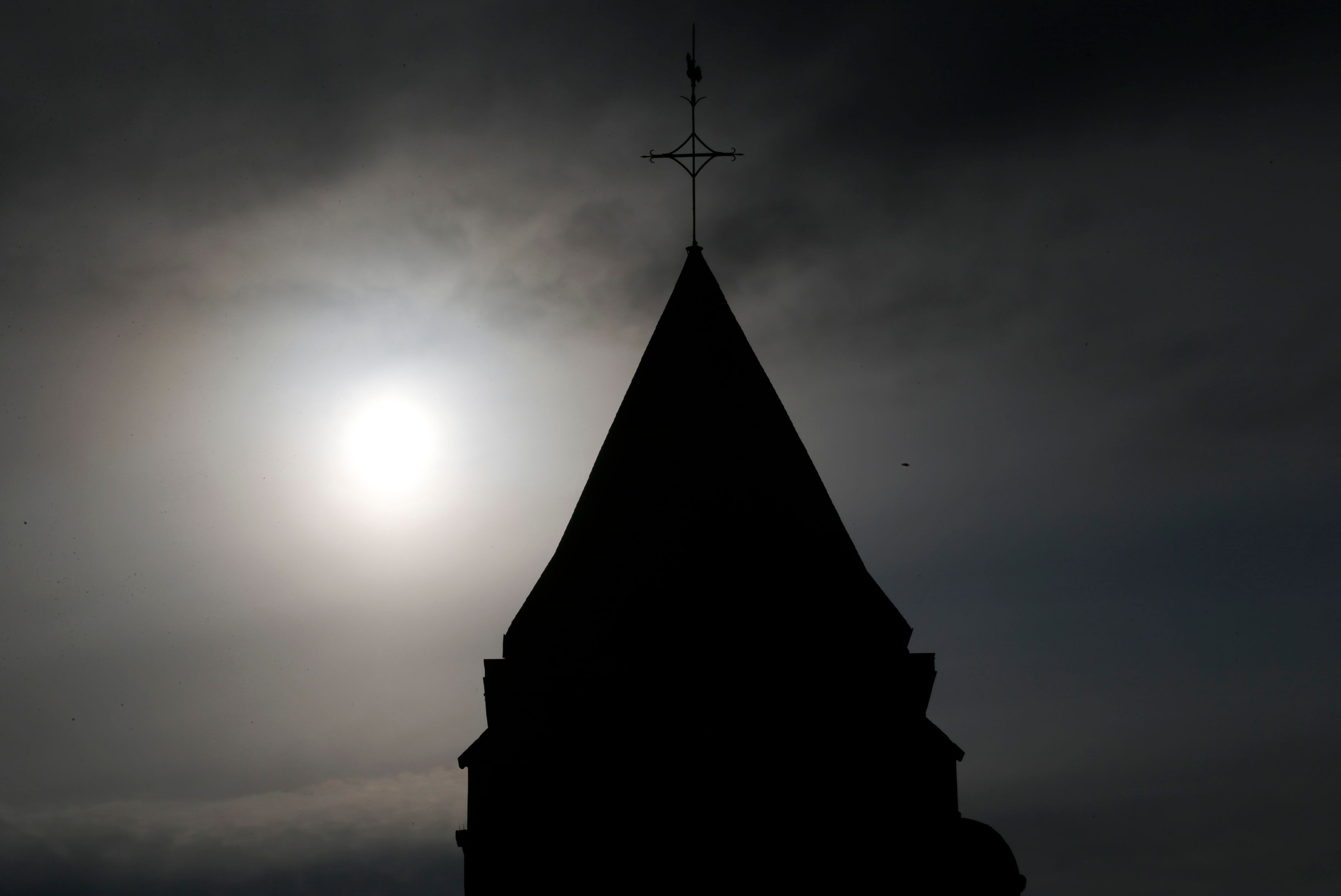"""Miracle ? Prodige ? Comment Charcot découvrit le curieux mécanisme de """"la foi qui guérit"""""""