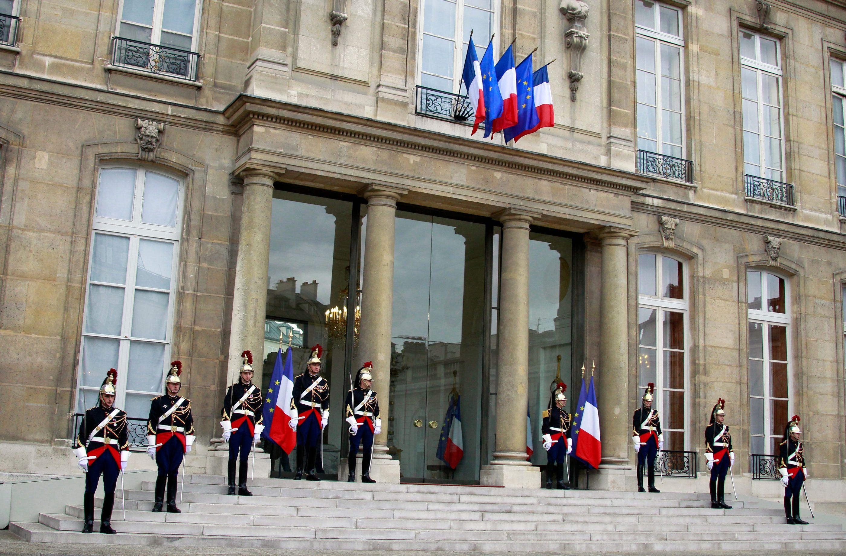 8 propositions pour respecter le droit des Français à être bien gouvernés