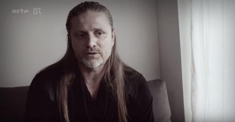 """Emmanuel Petit dans le documentaire """"Hors Jeu"""" sur Arte"""