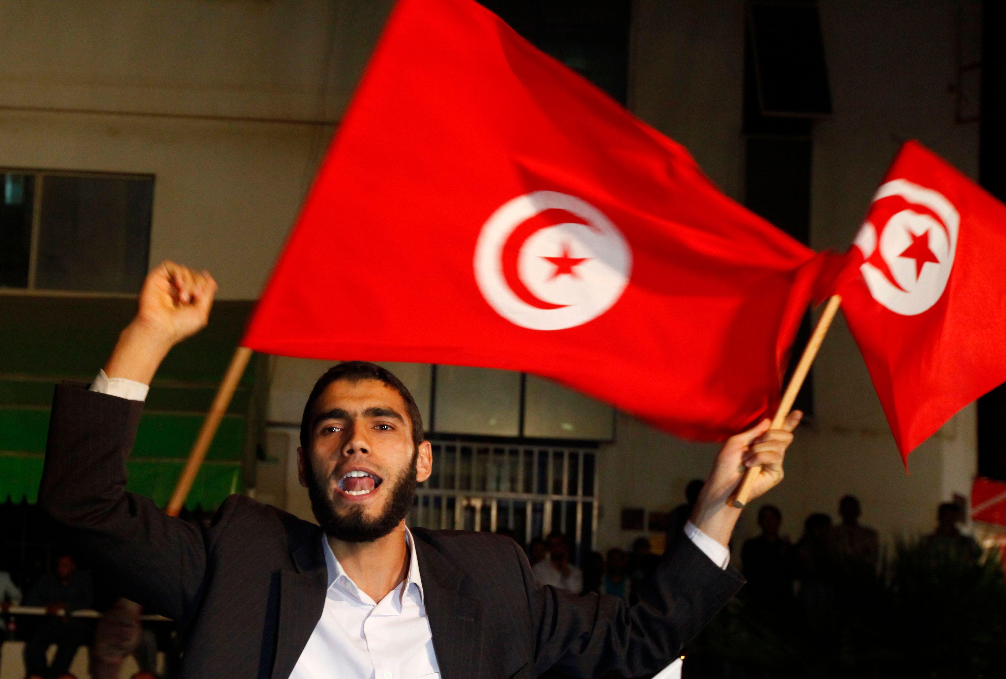 Le parti Ennahda, dirigé par Rached Ghannouchi, sort vainqueur du scrutin tunisien.