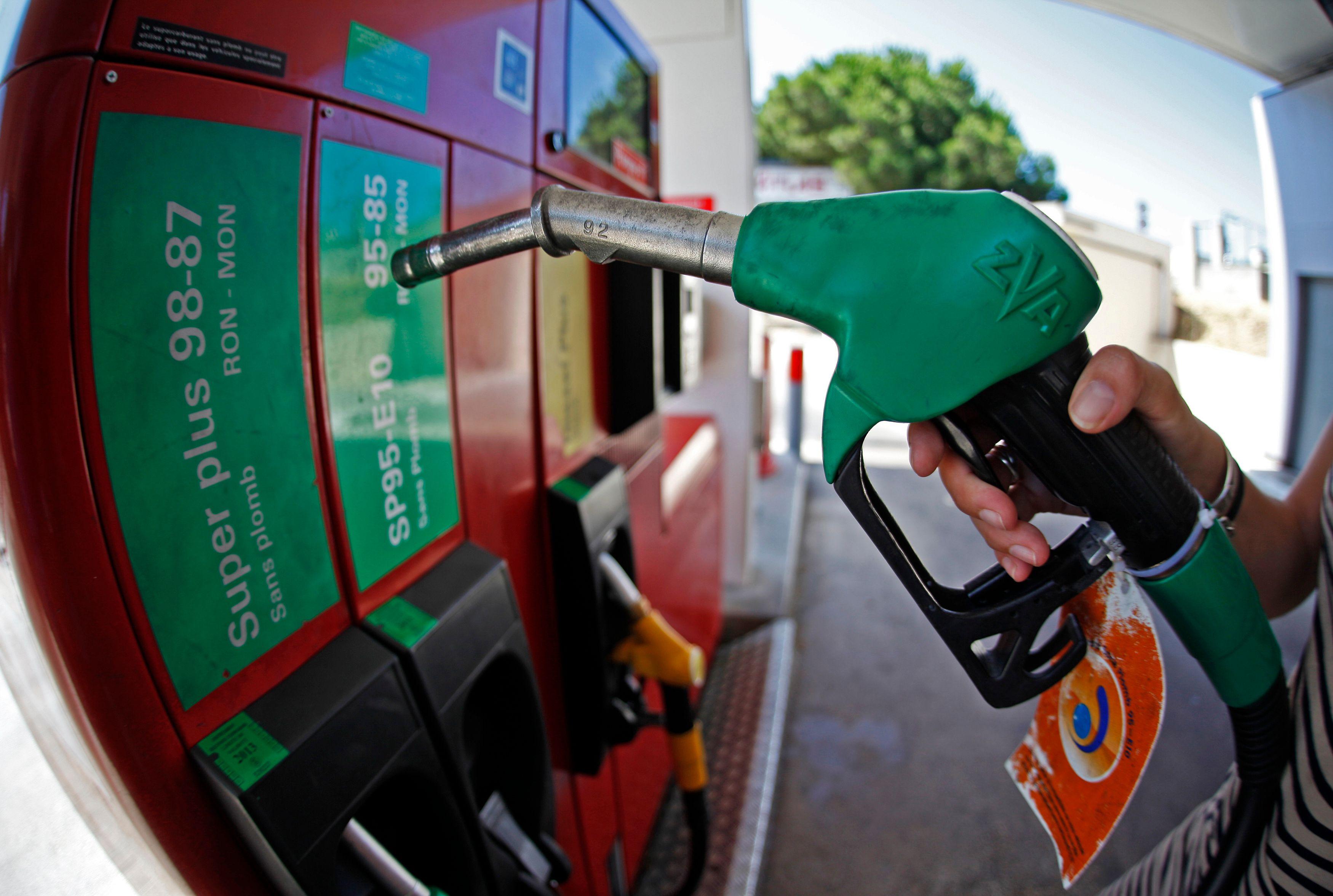 Le prix des carburants est en baisse