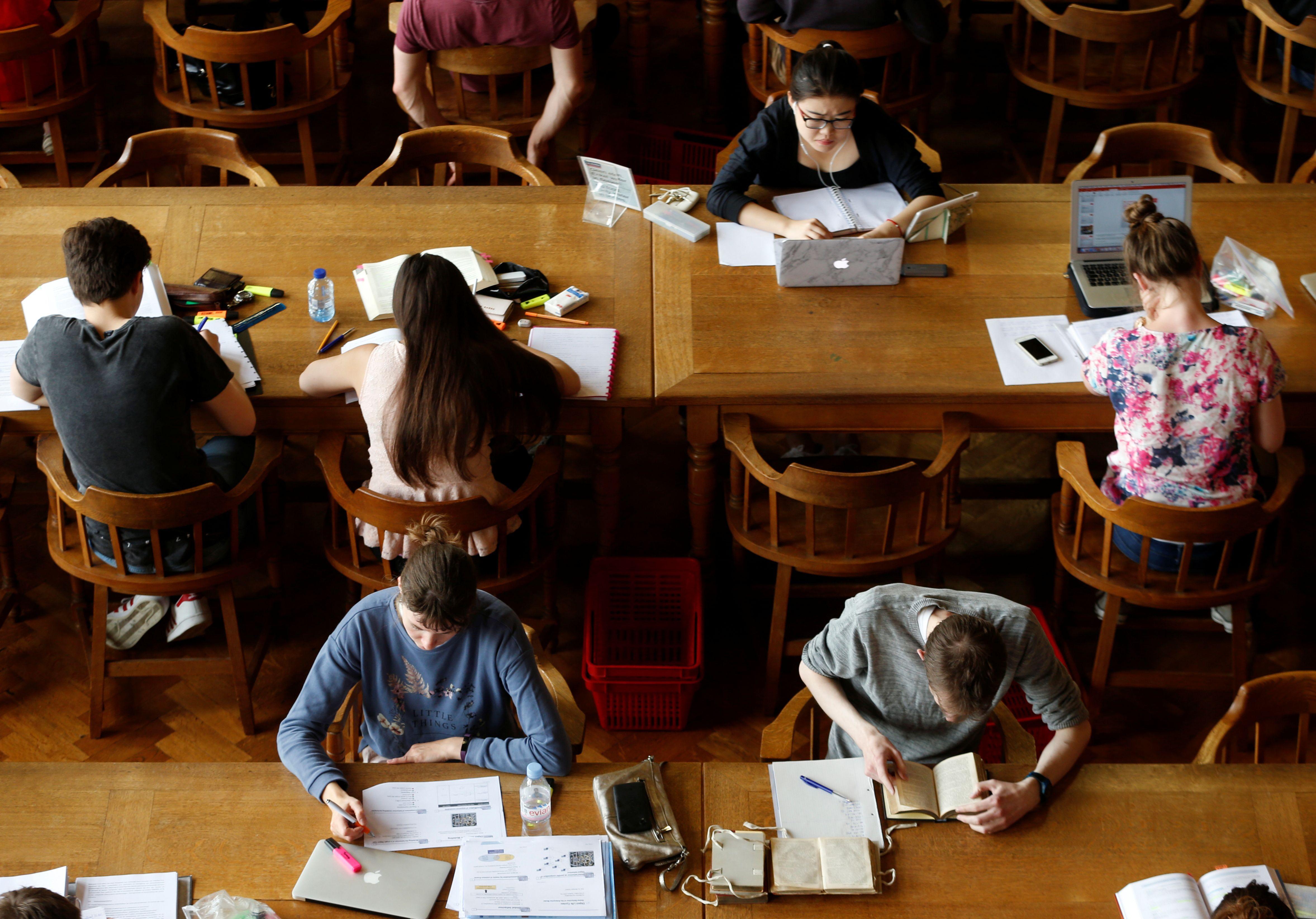 Sécurité sociale étudiante : le régime étudiant pourrait-il être dissous dans le régime général de sécurité sociale ?