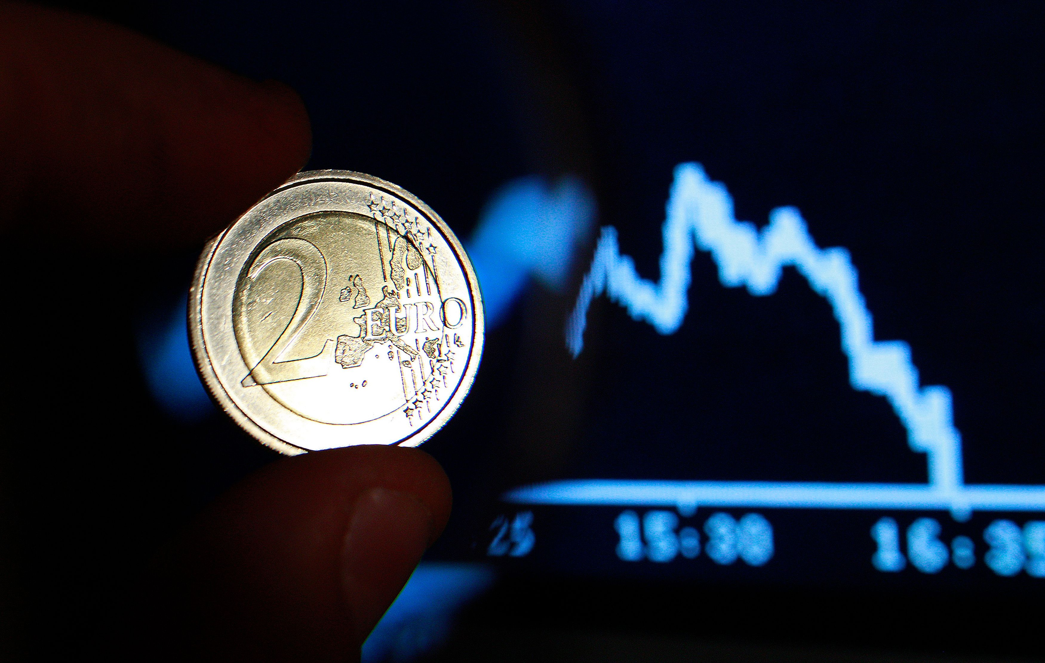 Les derniers indices sur l'activité du secteur privé laissent présager que la zone euro pourrait entrer à nouveau en récession au troisième trimestre.