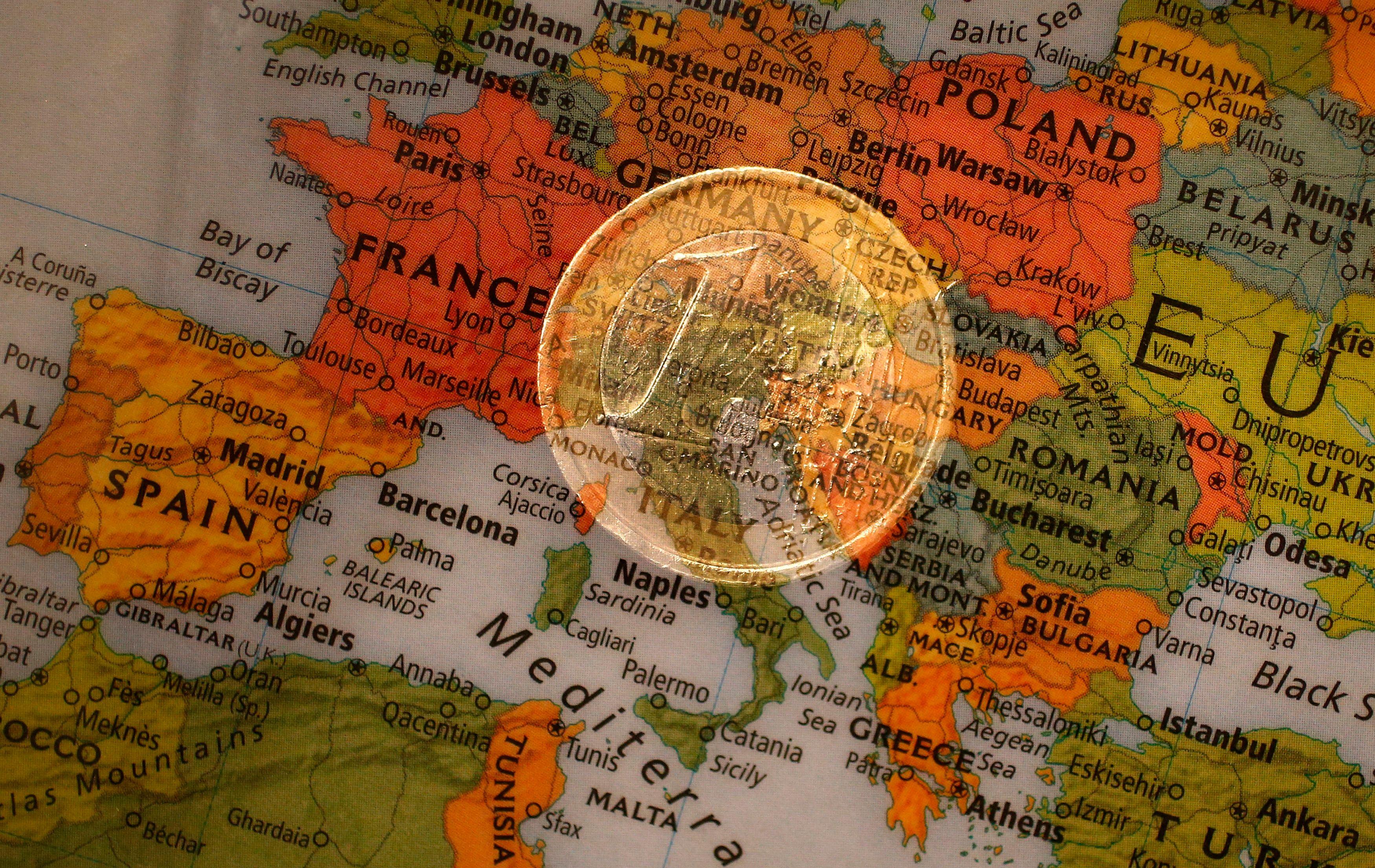 Le Prix Nobel contre l'Euro : pourquoi les réformes nécessaires à la sauvegarde de l'euro sont-elles si difficiles à réaliser sur le plan politique ?