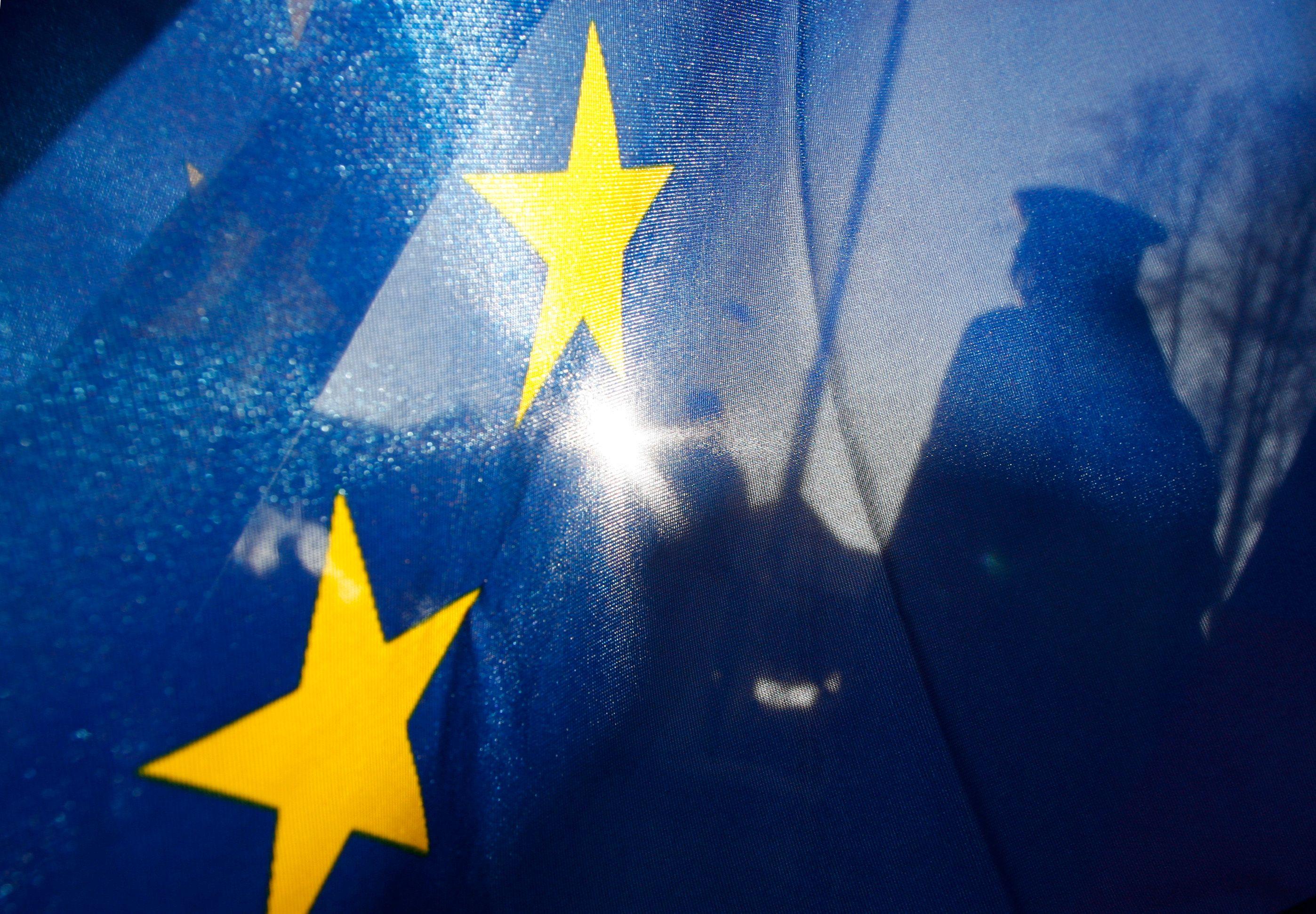 Secret des affaires : l'Europe s'arme d'un sabre de bois