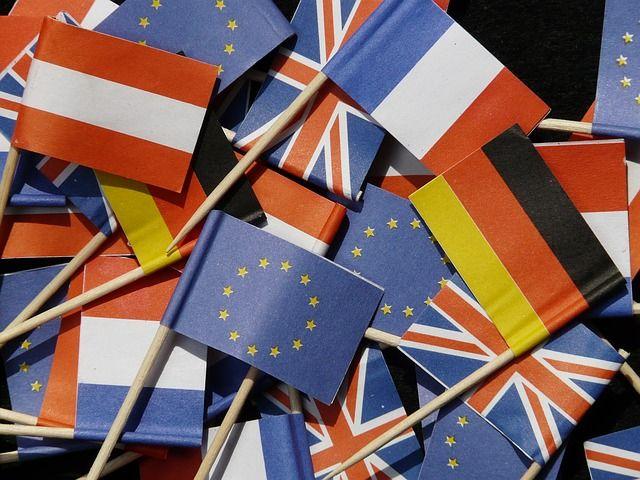 Les 5 présidents des institutions européennes ont publié un rapport pour rendre l'union économique et monétaire entre les Etats membres de l'eurozone plus concrète.