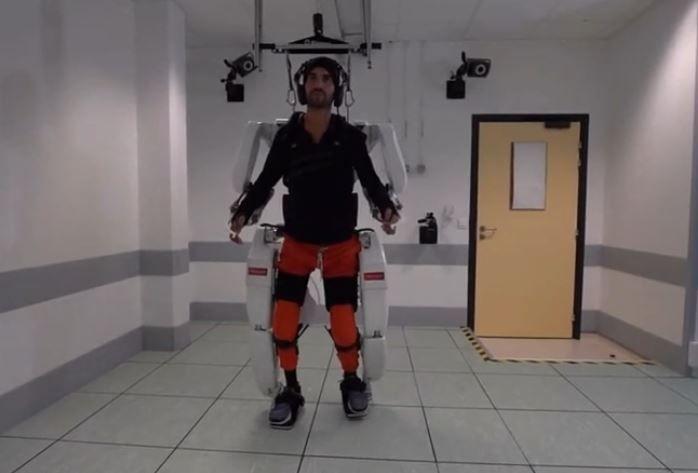 Grenoble : un tétraplégique remarche grâce à un exosquelette révolutionnaire