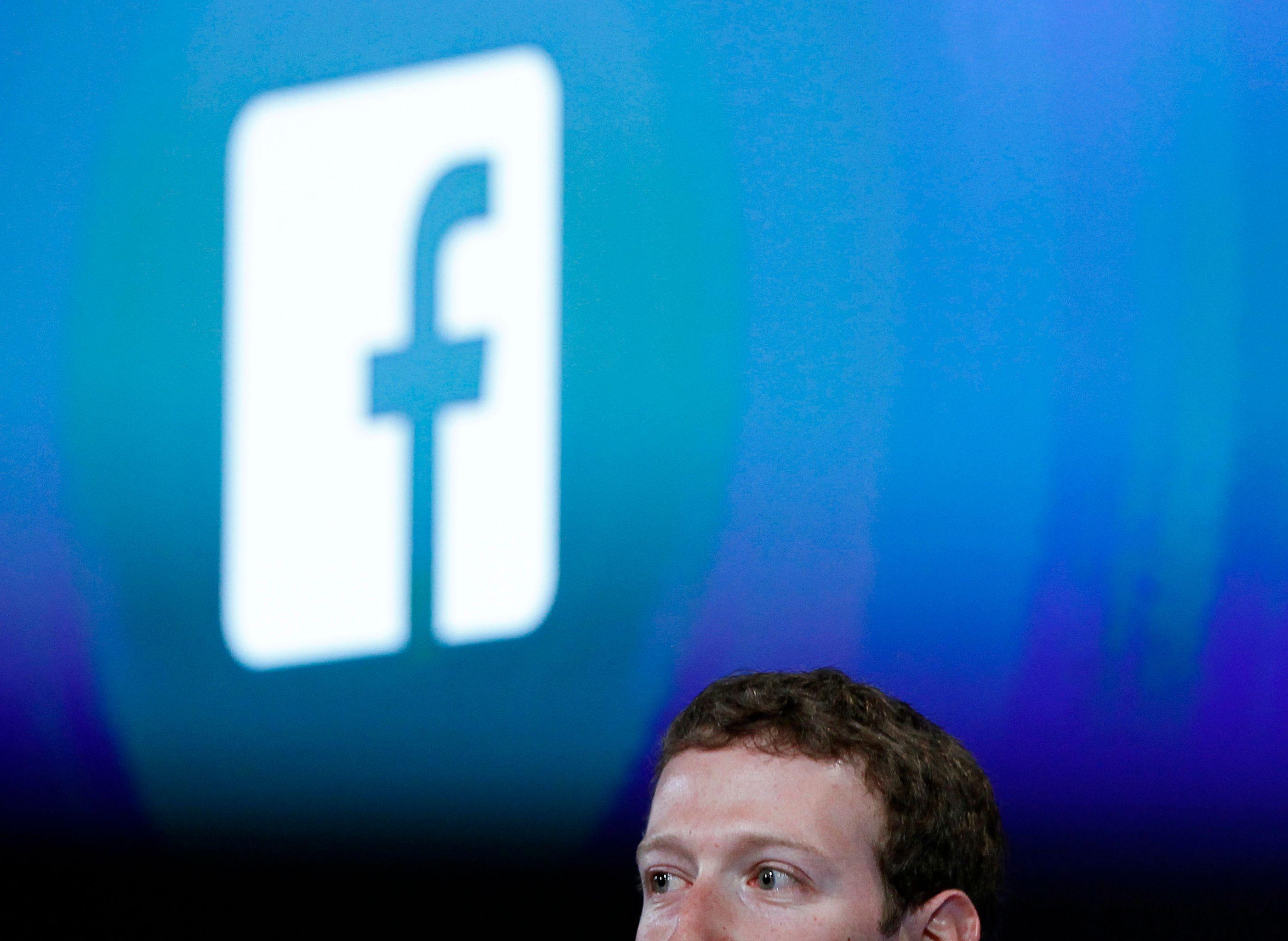 Le réseau social de Mark Zuckerberg est devenu un véritable salon de rencontre.