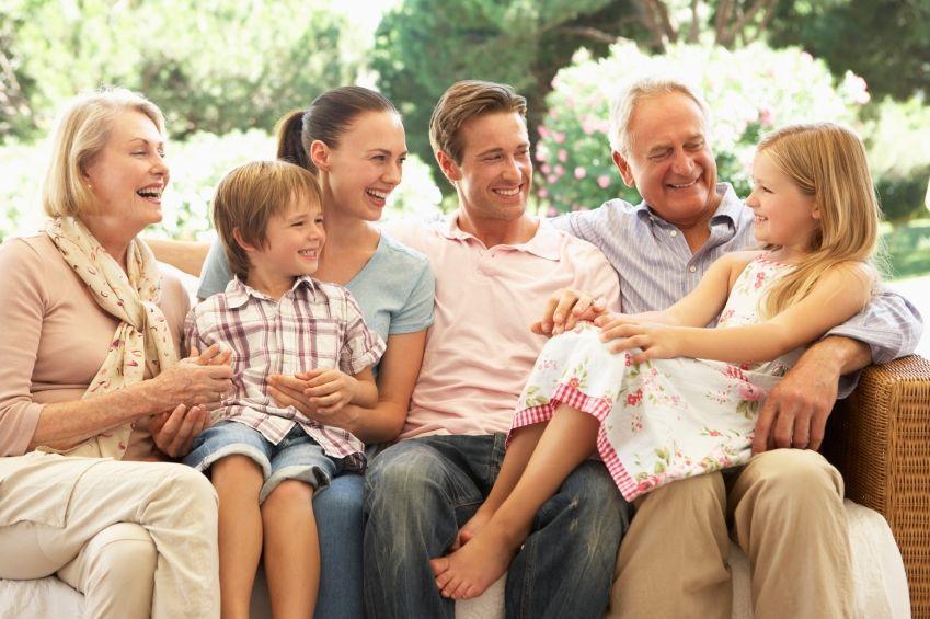 """Dans son livre, Roger-Pol Droit insiste sur le """"nous"""" que représente la famille."""