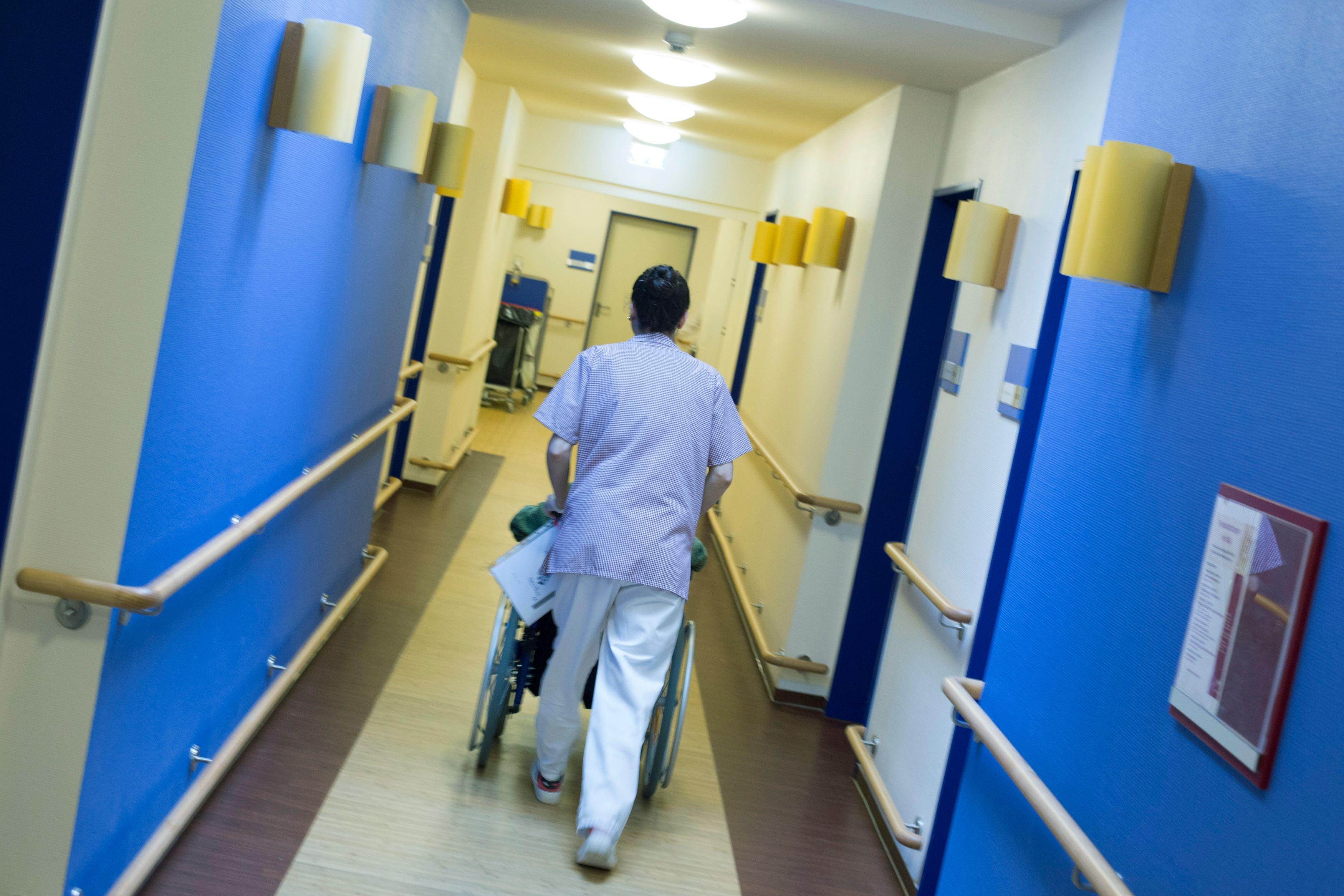Les hôpitaux publics voient leur déficit exploser et tripler en un an pour atteindre 1,5 milliard d'euros en 2017