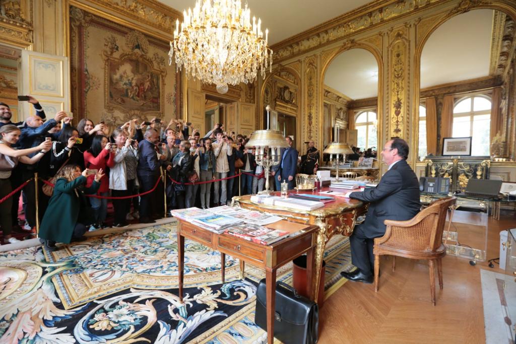 François Hollande serait intervenu en faveur de Canal + pour les droits TV de la Ligue 1